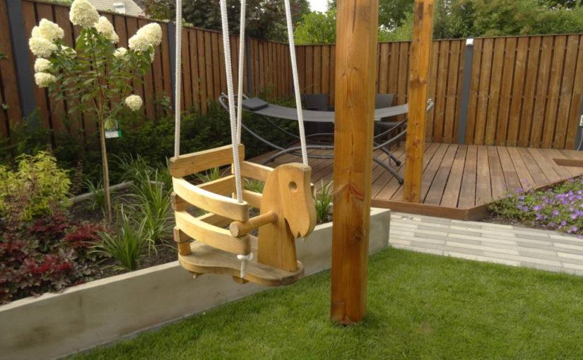 Moderne kindvriendelijke achtertuin
